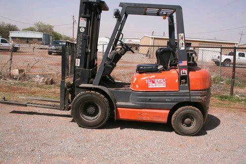 Where to find FORKLIFT, 5000 , PNEUMATIC in Elk City