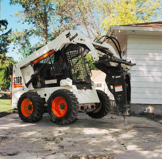 Where to find BOBCAT HYDRAULC BREAKER ATTACHMENT in Elk City
