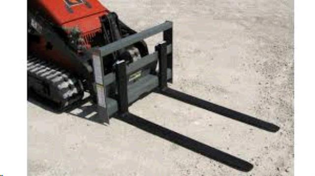 Where to find MINI-SKID PALLET FORKS in Elk City